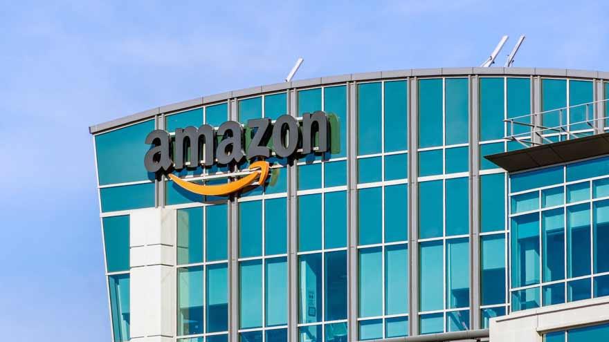 Amazon almacena artículos de proveedores de China para proteger contra futuras interrupciones debido al virus.
