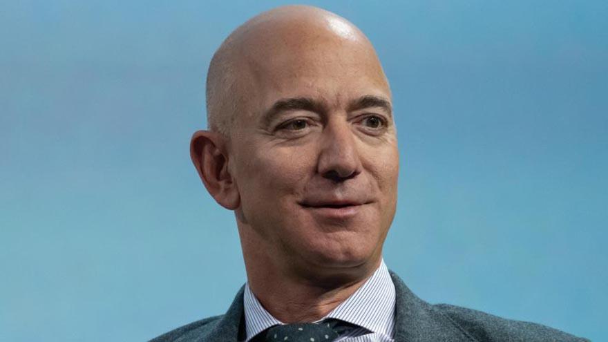 Jeff Bezos, uno de los hombres más exitosos del mundo.
