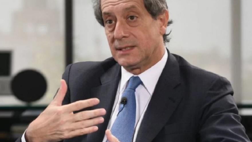 El presidente del BCRA, Miguel Pesce, viene resistiendo las presiones para que se cierre la ventanilla de u$s200 mensuales