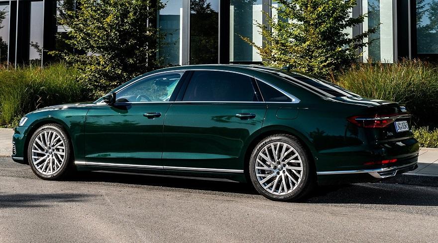 Audi A8 en su versión extra large, una limousine.