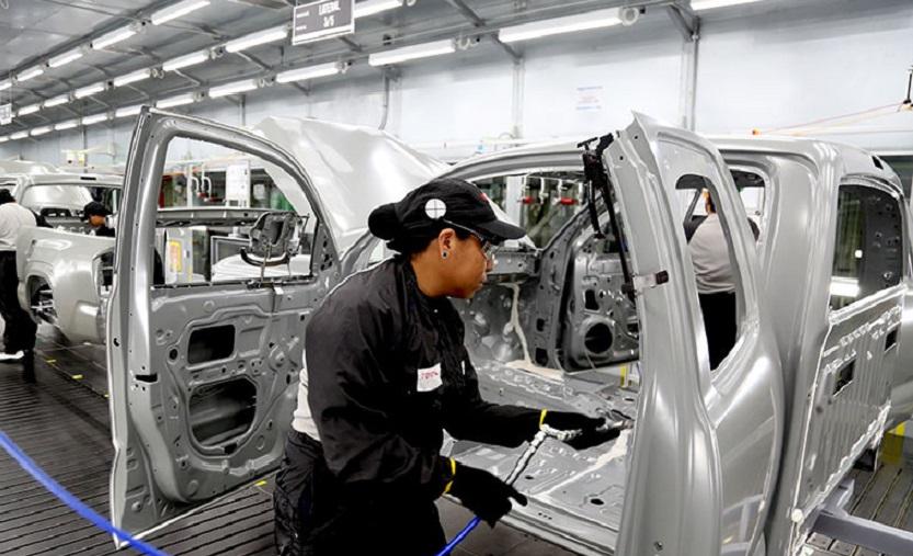 Toyota cederá sus plantas para colaborar con la salud.