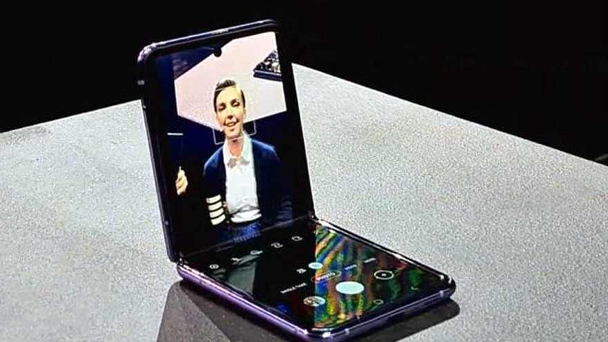 Foto: El Z Flip es el segundo smartphone de Samsung con pantalla flexible. Costará 1.380 dólares en Estados Unidos.