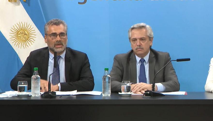 El presidente Alberto Fernández y el titular de la Anses, Alejandro Vanoli, anunciaron el Ingreso Familiar de Emergencia (IFE) en abril