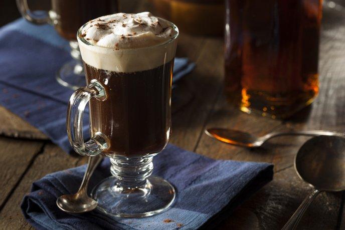 Caliente y cremoso, el café irlandés también puede ser abstemio