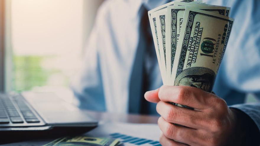 El Gobierno apunta a reducir la brecha cambiaria en el corto plazo