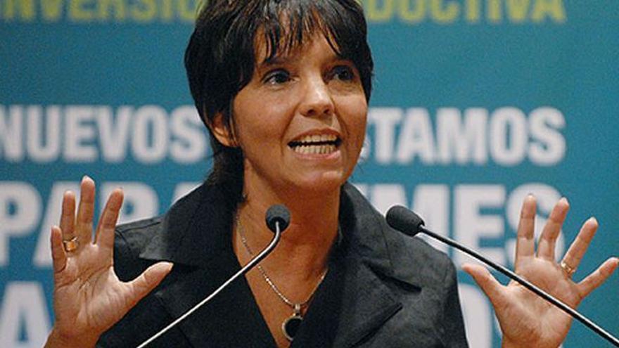 Mercedes Marcó del Pont, la ideóloga del cepo original, reivindicada por el consenso actual: plantea que las restricciones cambiarias deben ser parte de una política permanente