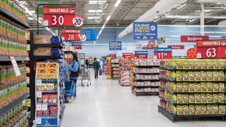 Los supermercados mayoristas recibieron más público con intención de stockearse.