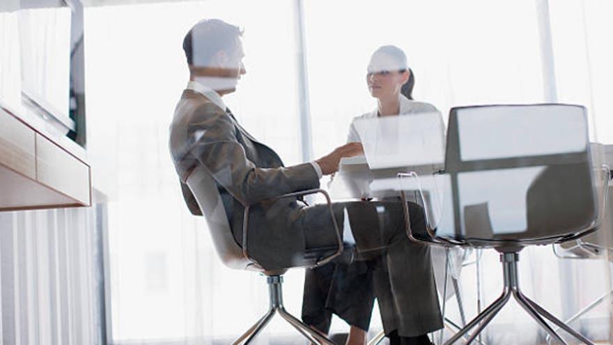 Qué debes contestar si en una entrevista laboral te piden que hables de vos