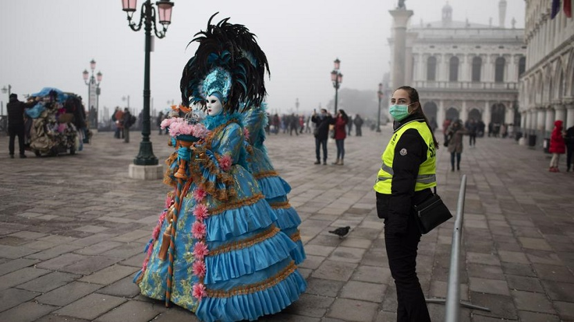 Por el momento no se suspende el carnaval 2021 en Venecia, Italia.