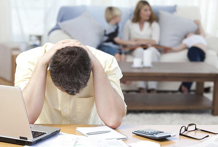 Uno de los peores errores al querer pagar las deudas es no tomar en cuenta las necesidades básicas del grupo familiar