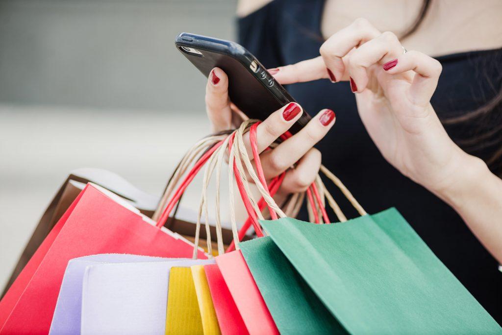 Los consumidores son cada vez más exigentes con las marcas, según el estudio.