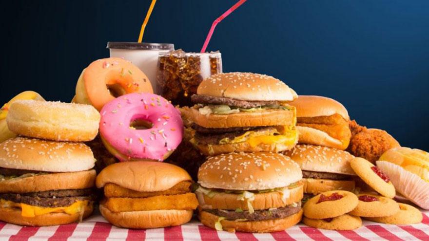 Las grasas trans están presentes en todos los alimentos ultraprocesados