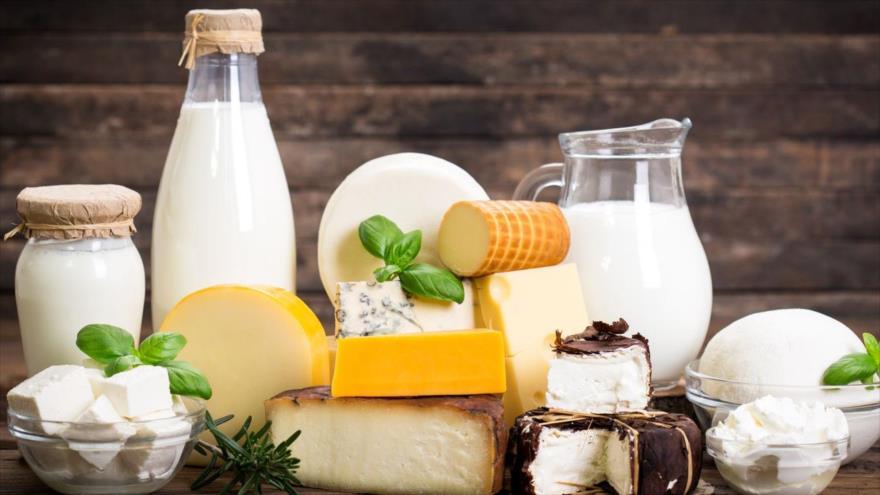 Los lácteos enteros tienen altas cantidades de grasas saturadas
