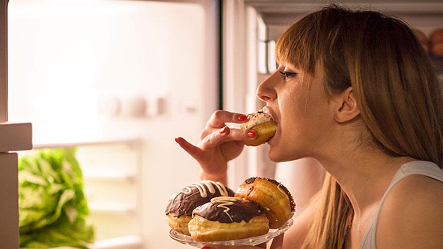 Comer en un tiempo razonable es clave para poder adelgazar
