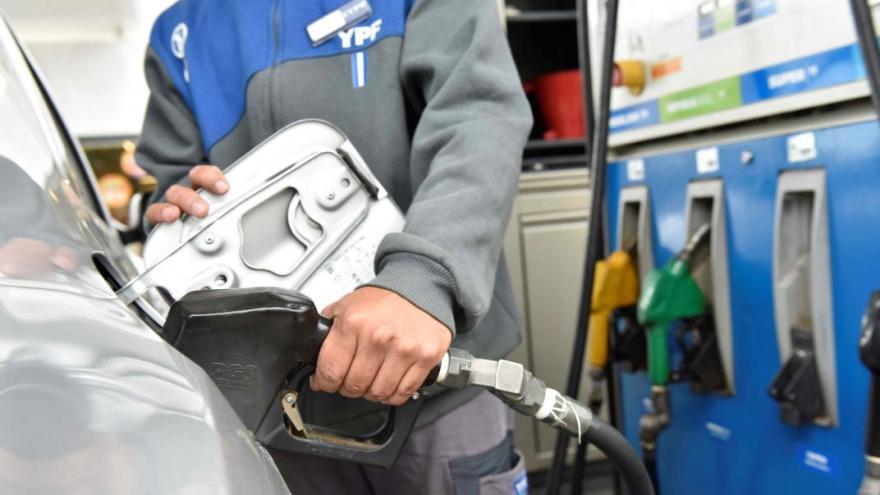 Los precios de las naftas siguen aumentando.