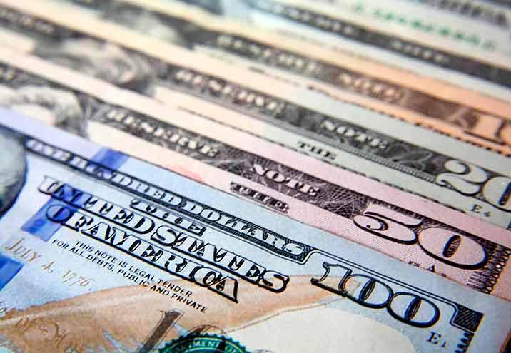 El dólar blue cotiza a $127
