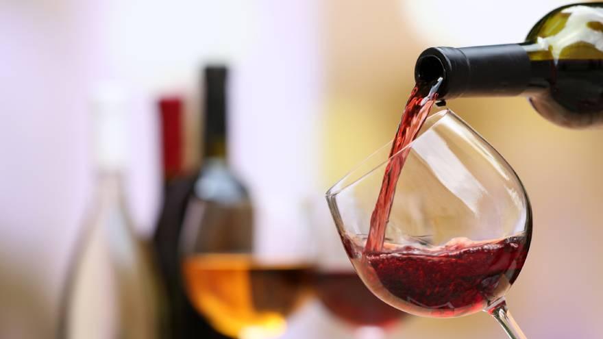 Durante la cuarentena cada vez más personas recurren al alcohol para aliviar malestares psicológicos