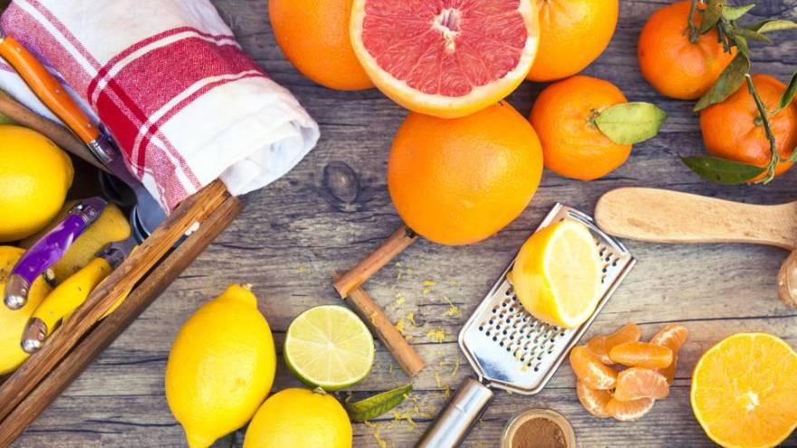 Los cítricos son una de las frutas que componen esta lista
