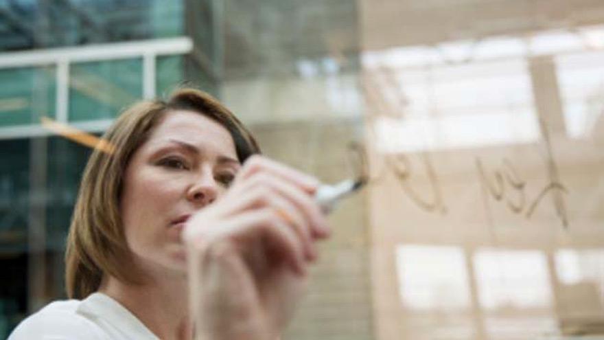El 43% de las mujeres consultadas por Mercer dijo estar estresada financieramente.