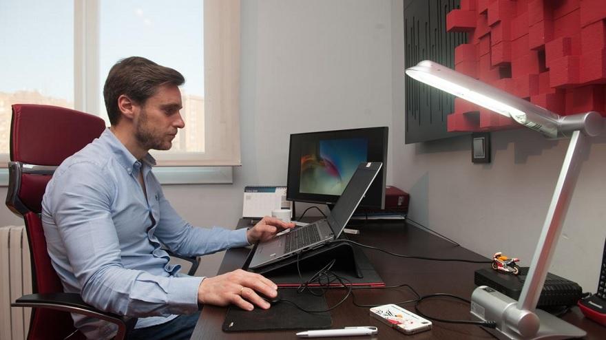 El proyecto contempla que los empleadores compensen los gastos por parte de los teletrabajadores