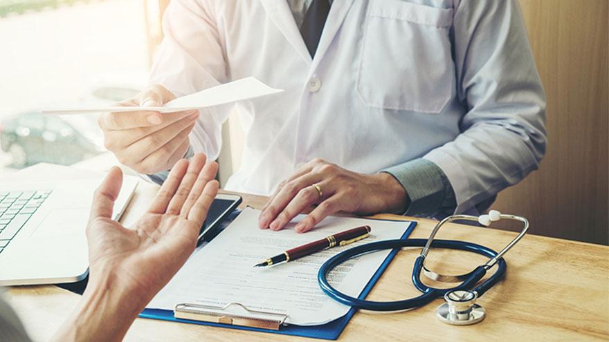 Para poder completar el proceso de facturación es necesario presentar la documentación del paciente y de la atención que recibió