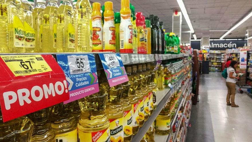 Personal de supermercados debe seguir trabajando.