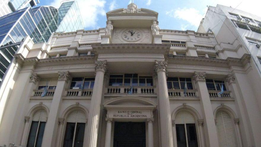 El Banco Central había establecido un plan de refinanciación con 3 meses de gracia y 9 cuotas para los clientes que tenían saldos impagos al 30 de abril