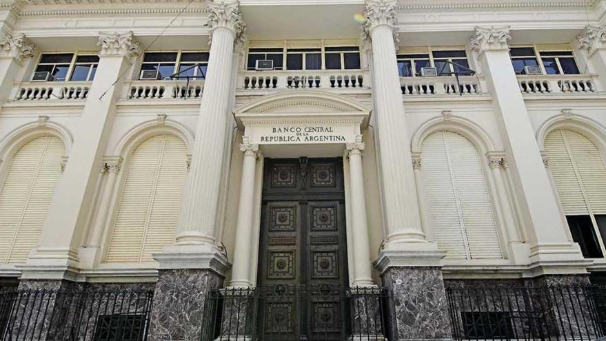 Las medidas del Banco Central sobre la tasa de interés motivaron el boom en los plazos fijos en pesos