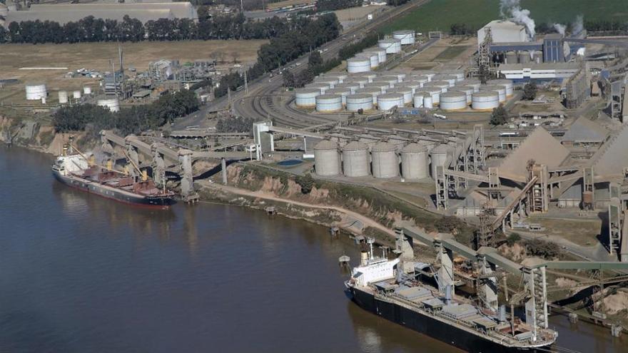 La carga de buques y el movimiento de camiones se derrumbó en las principales terminales agroexportadoras.
