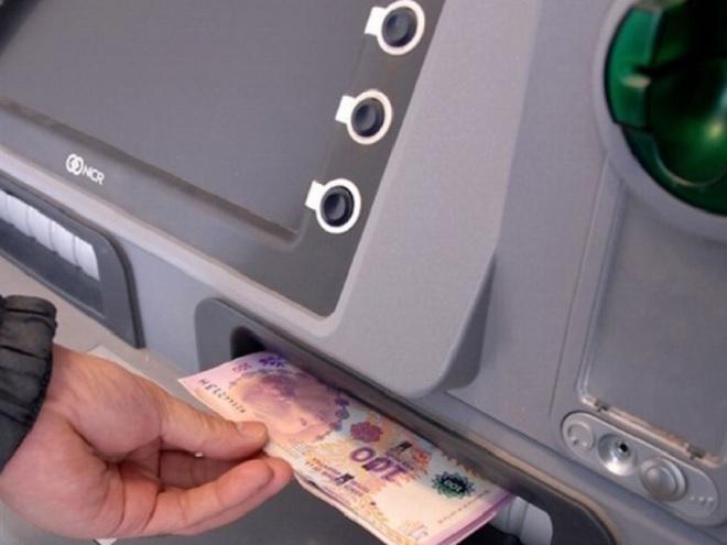 Bono Anses: se busca que los beneficiarios cobren por cajero automático.