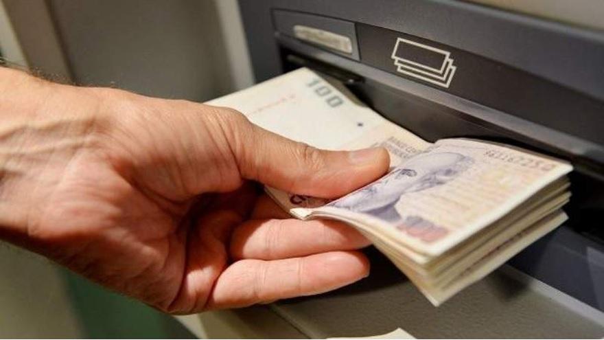 Los cajeros automáticos deben entregar un mínimo de $15.000 por operación y por cliente