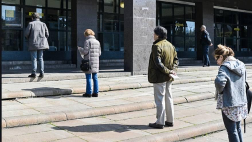 la distancia entre personas puede ayudar a prevenir el contagio