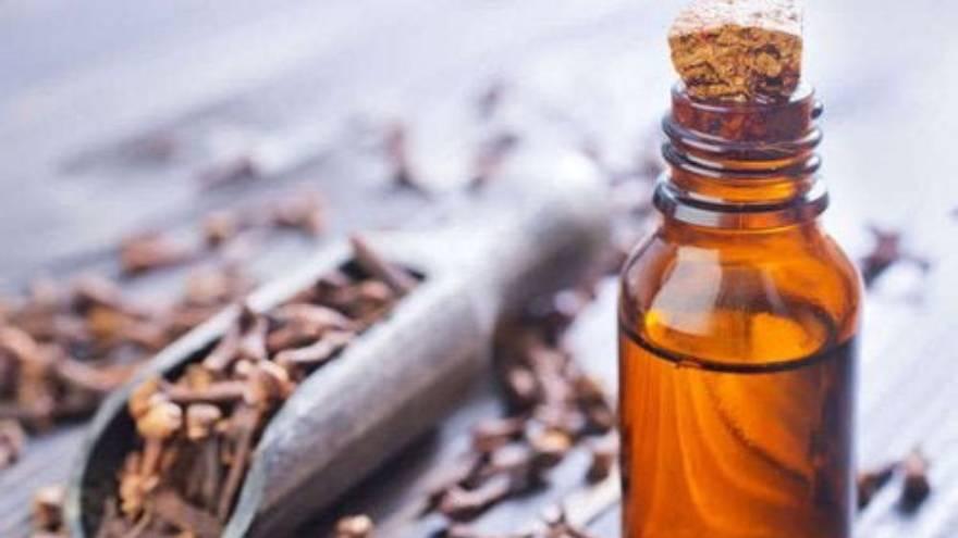 Aceite de clavo, un remedio poco común pero efectivo para las llagas