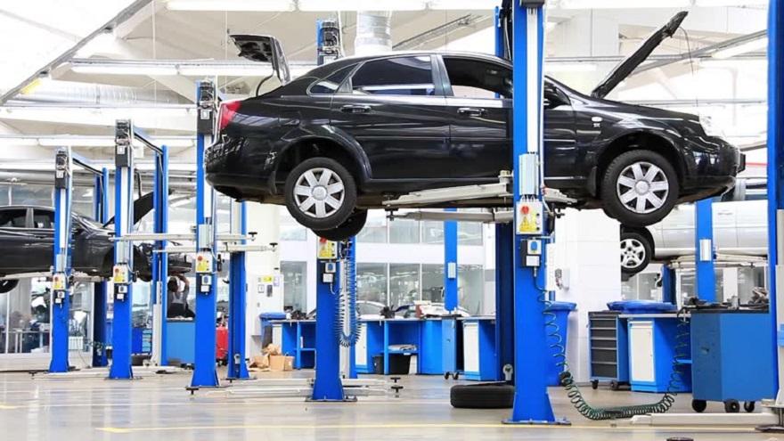 El mantenimiento de un auto también influye en la decisión de compra.