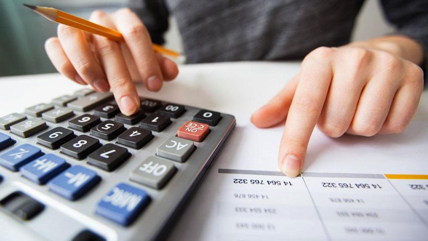 ¿Cuánto cobran los empleados administrativos de comercio?