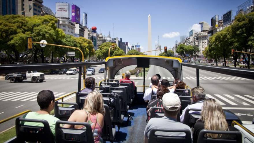 Presentan proyectos para reactivar el turismo