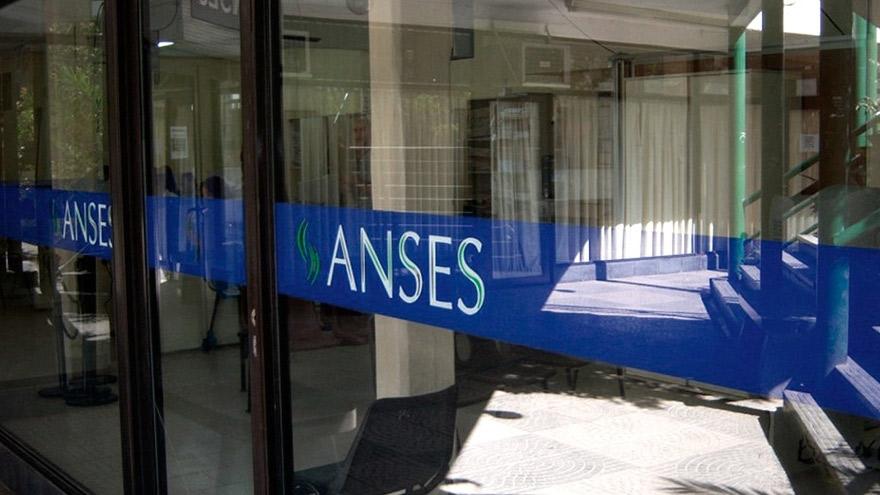 La Anses dijo que en abril que el bono de ingreso de emergencia era por