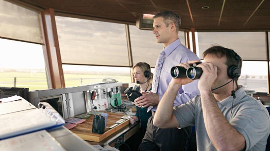¿Cuánto gana un controlador aéreo?