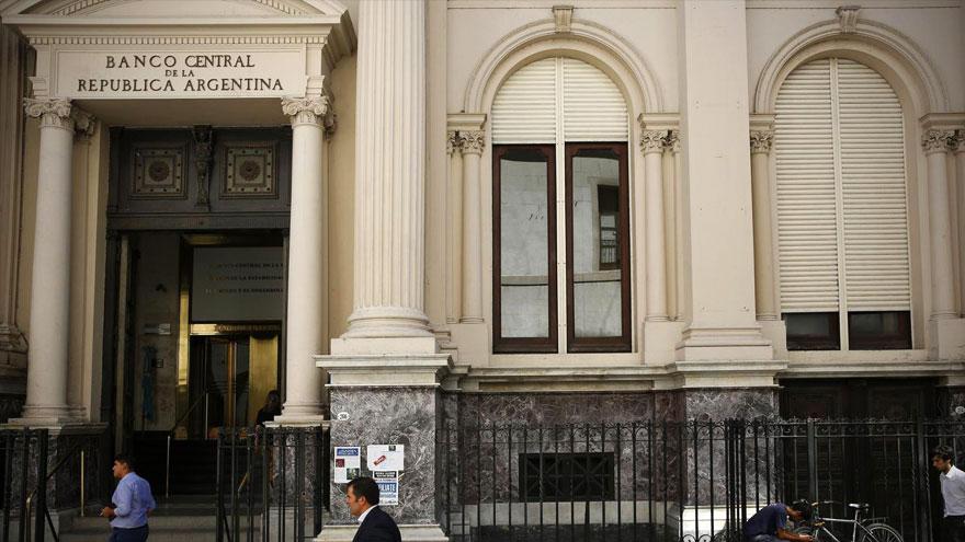 Las reservas del Central volvieron a bajar y disminuye su poder de fuego en forma preocupante