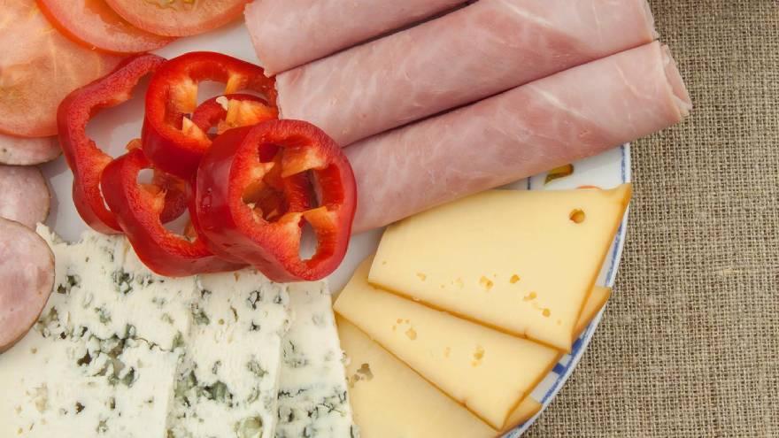 Para cuidar la salud cardiovascular se recomienda evitar los alimentos con alto contendio de sodio