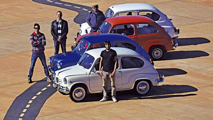 Ciento de fanáticos sostienen la leyenda del Fiat 600.