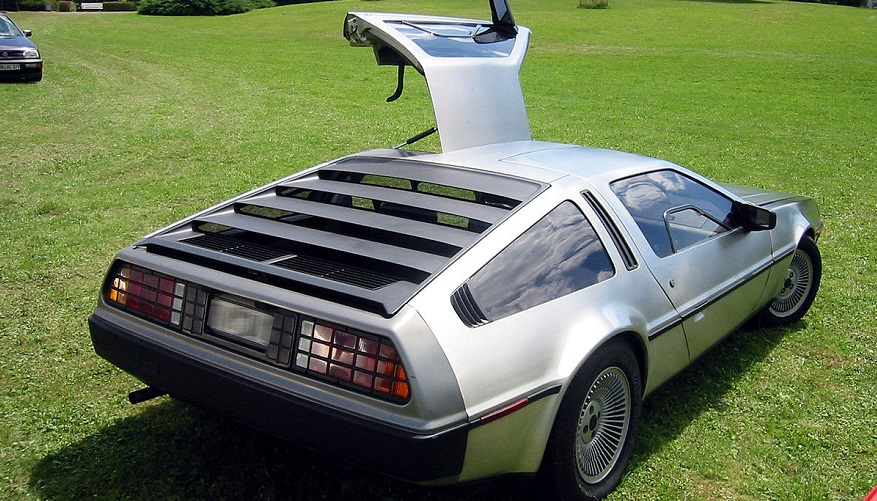 El DeLorean en todas sus dimensiones.