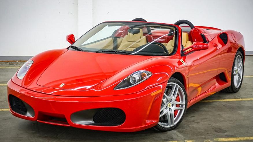Ferrari, el auto de Messi en 2008.