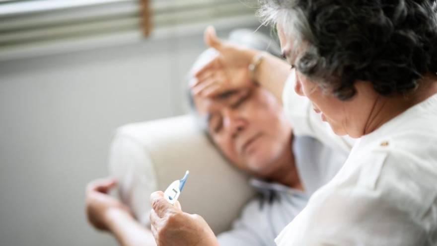 Los adultos también pueden verse severamente afectados por la fiebre