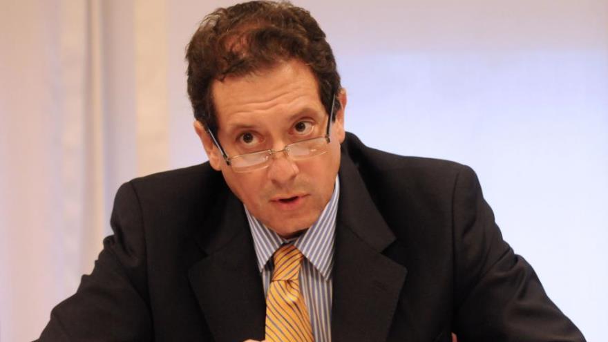 El titular del BCRA, Miguel Pesce, otra vez al rescate del Tesoro ante la caída de la recaudación