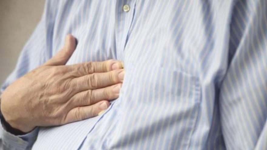 El dolor tipo puntada en el pecho es más característico del ataque de pánico