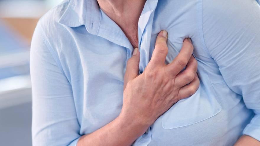 El infarto provoca un dolor difuso en el pecho