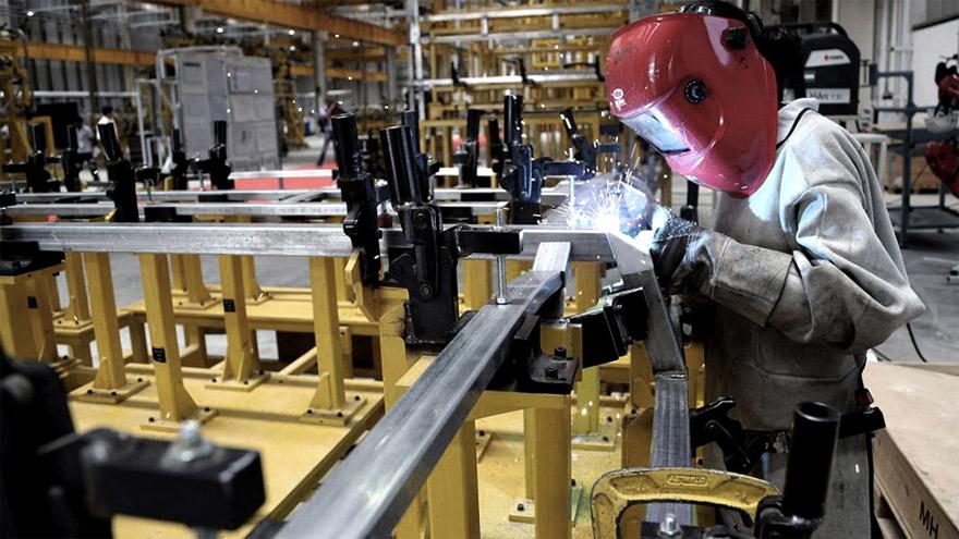 Industria: el Gobierno busca potenciar la capacidad exportadora.