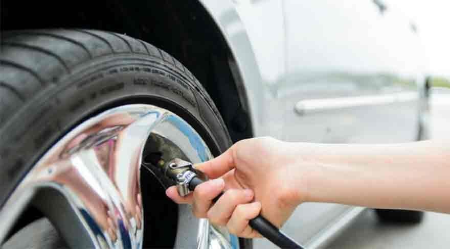 Los neumáticos deben rodarse unos centímetros para evitar desgastes.