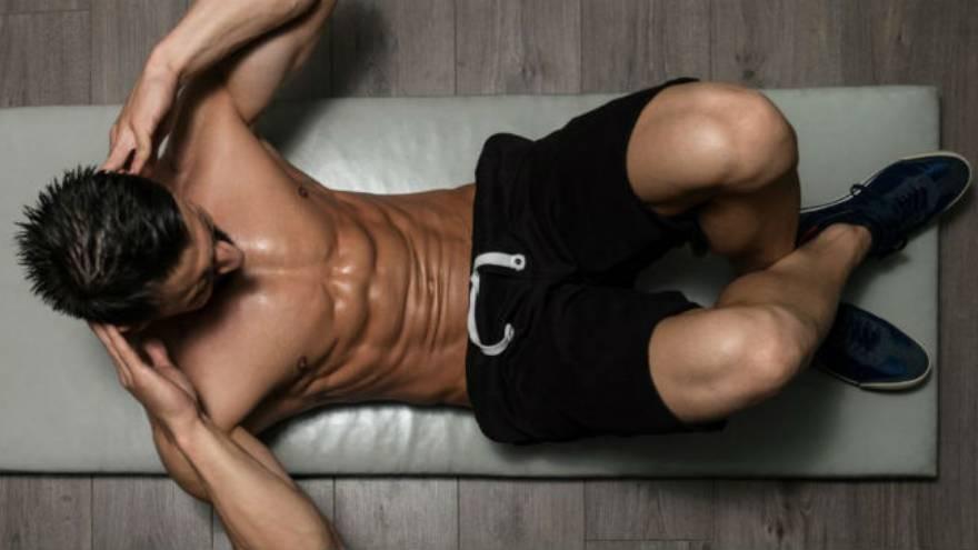 Este ejercicio fortalece los músculos abdominales